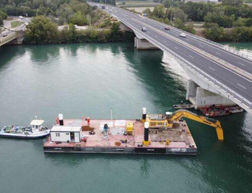 Excavator pontoon – Rhône river